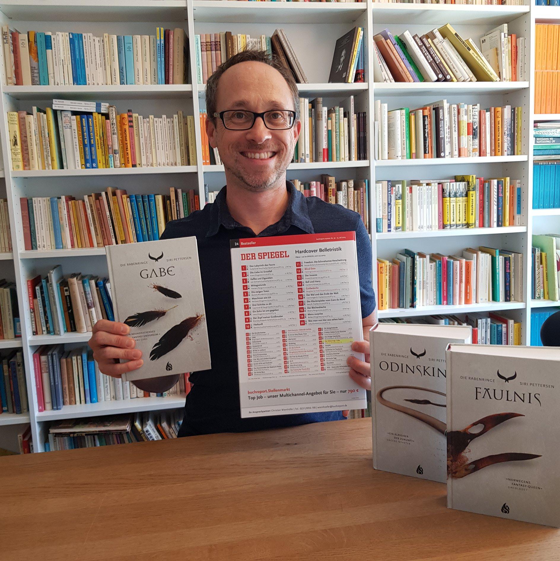 Knut Reinoss from Arctis verlag, with Spiegel bestseller list