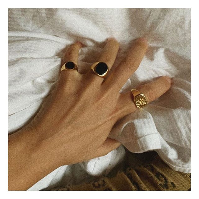 Gold Rings, White Sheets ✨ . Credit: @alessaa_w . . #goldrings #jewellery #whitesheets #bed #moodboard #visualdiary #parisianstyle #vintagestyle #parisianchic #styledujour #theparisguru #detailsoftheday #simplebeyond #fashioninspo #personalstyle #tenuedujour #vintagevibes #myparisstyle #theparisianchique #laparisienne #fashion #styleblogger #neutralstyle #ootd #ootdblogger #fashiondiaries #instastyle #lifestyleblogger #postfortheaesthetic #photooftheday