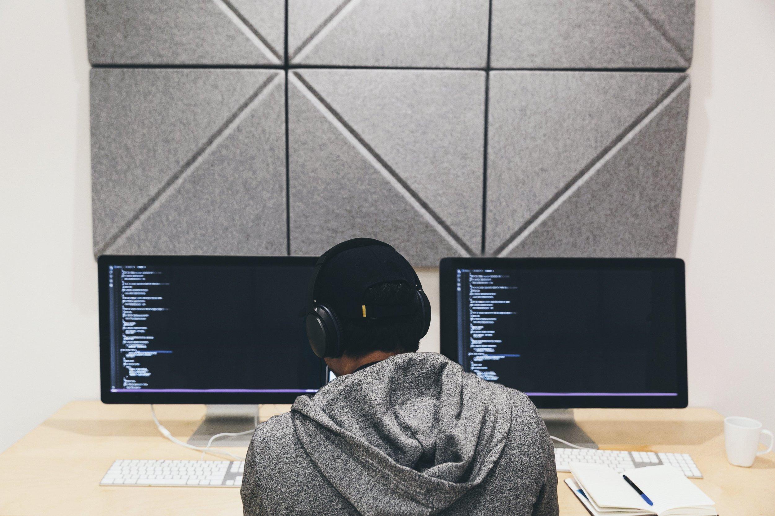 programmer-focused-on-code.jpg