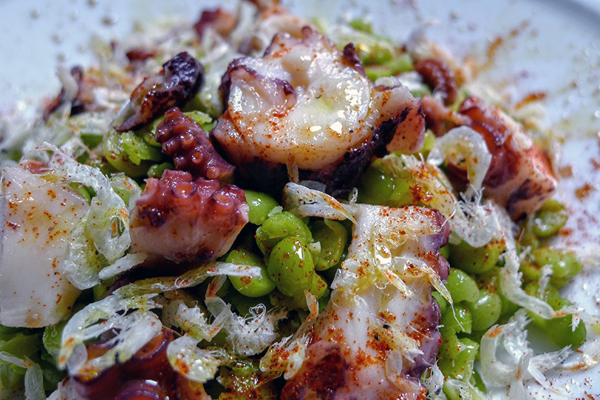 Cold Salad of green Split Peas with boiled Octopus, small dried Shrimp, Paprika & EVOO