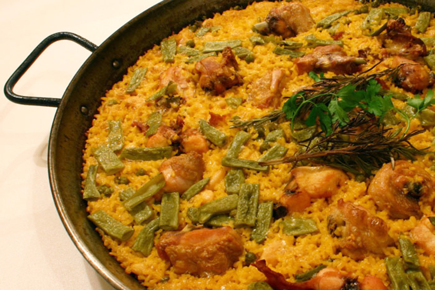 Traditional Valencian Chicken Paella