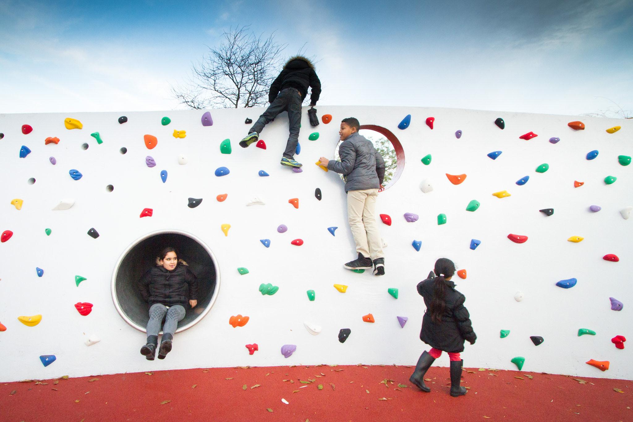 Deltaplantsoen dmau climbing wall the hague.jpg