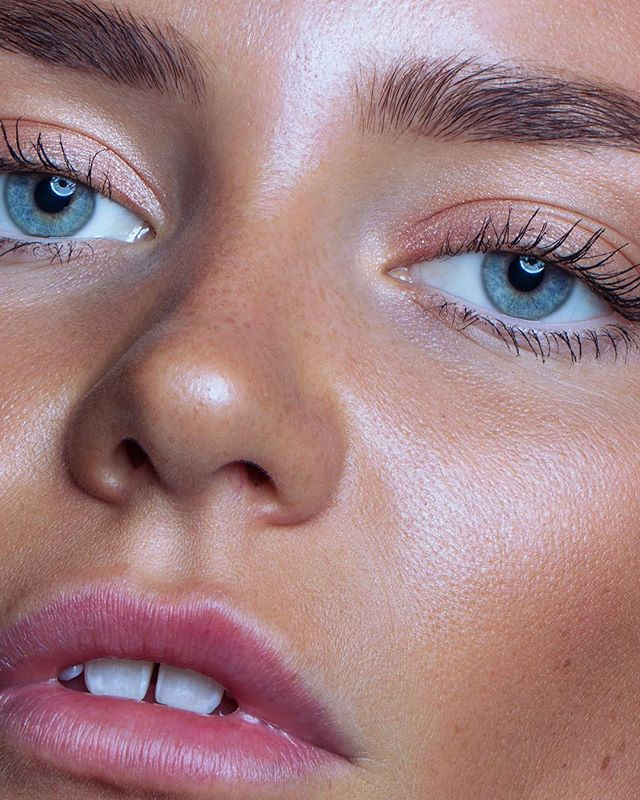 Close-up of⁣ beautiful ✨@vilderiise✨⁣ ⁣ —⁣⁣ #photography #closeup #beauty #macro #eyes #lips #beautyretouch