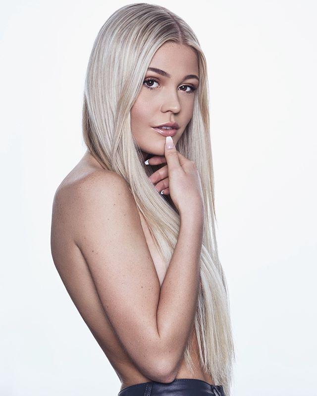 @theagudmundsen ✨ — #photography #model #potd #modeling #photoshoot #tbt #beauty #fashion #instagood #nude #studio #natural #modeling