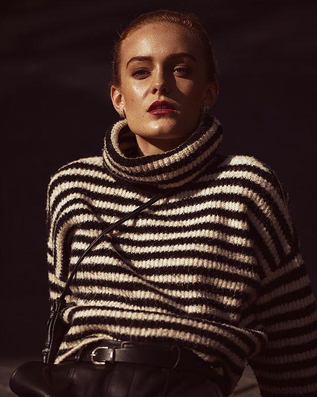 This face 🙌🏼  — Model: @phoebesturk /  @heartbreakmanagement Mua: @mualisajohnsen  — #model #shoot #fashion #photography #potd #summer ##pose #fashionshoot #sunset