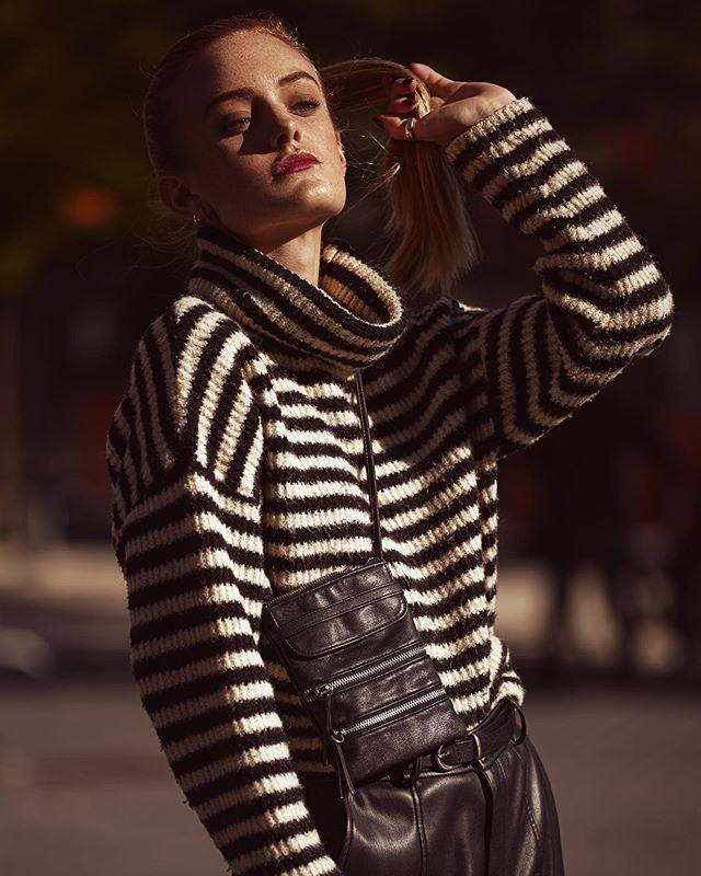 Forever chasing the sun ☀️  — Model: @phoebesturk /  @heartbreakmanagement Mua: @mualisajohnsen  — #model #shoot #fashion #photography #potd #summer ##pose #fashionshoot #sunset
