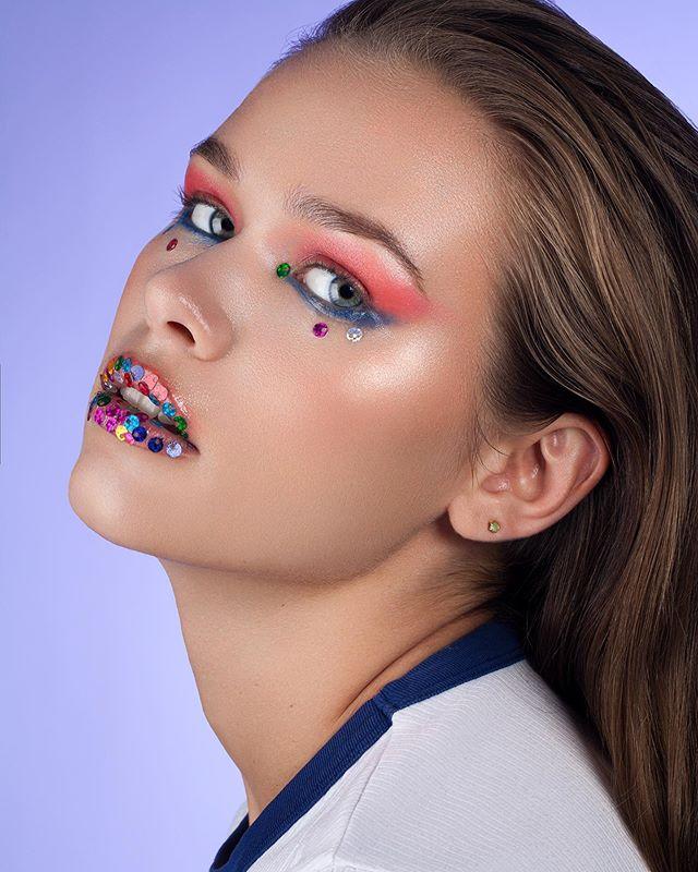 🍭🍭🍭 — Model: @lirieo — Mua: @aniamake — #beauty #photography #model #modellife #femalemodel #beautymodel #makeup #makeuplook #pose #studio #canon