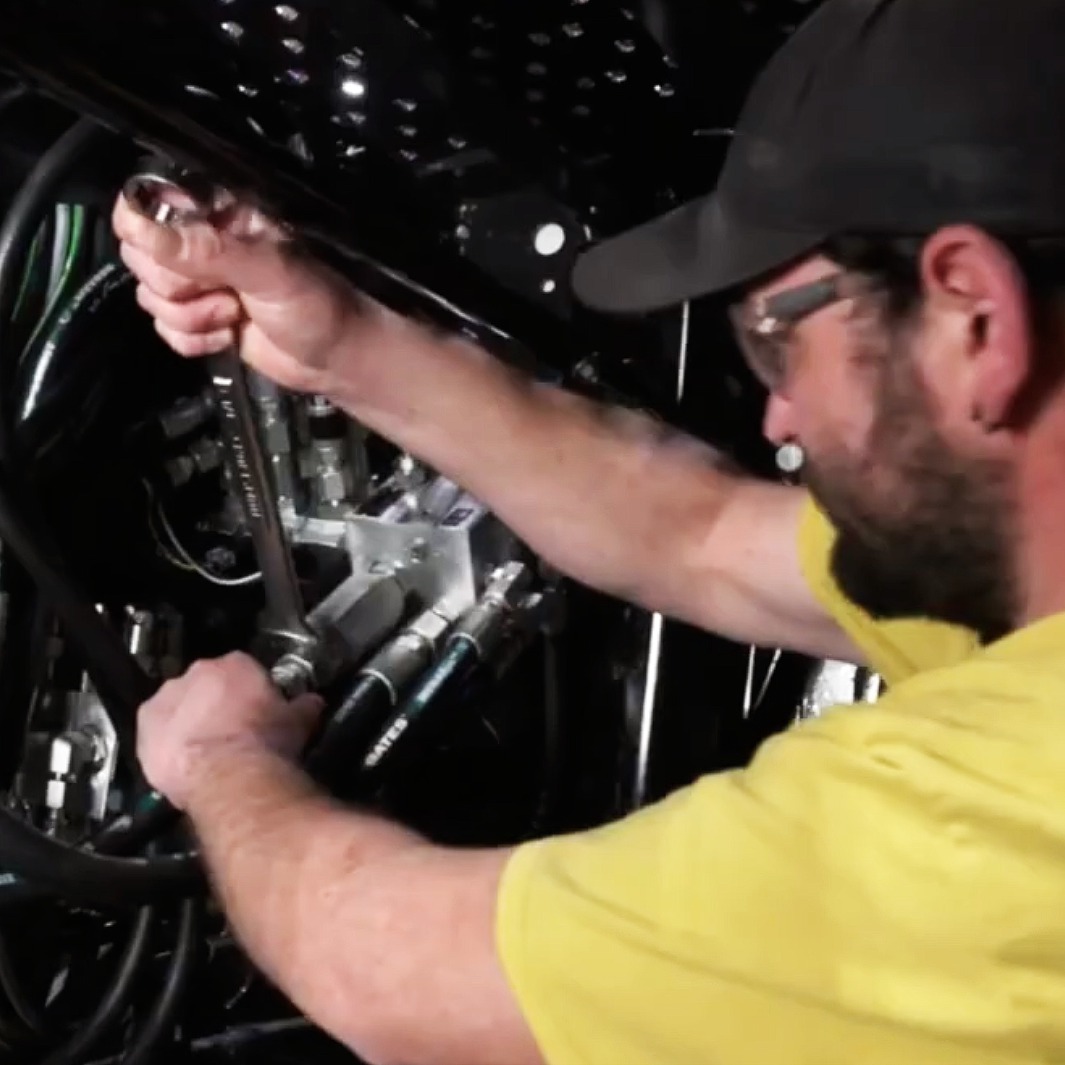 INSTALLATION - Let us do the work! Bluewater Rubber & Gasket's hydraulic mechanics will deliver your order, remove the old hoses, & install the new ones.