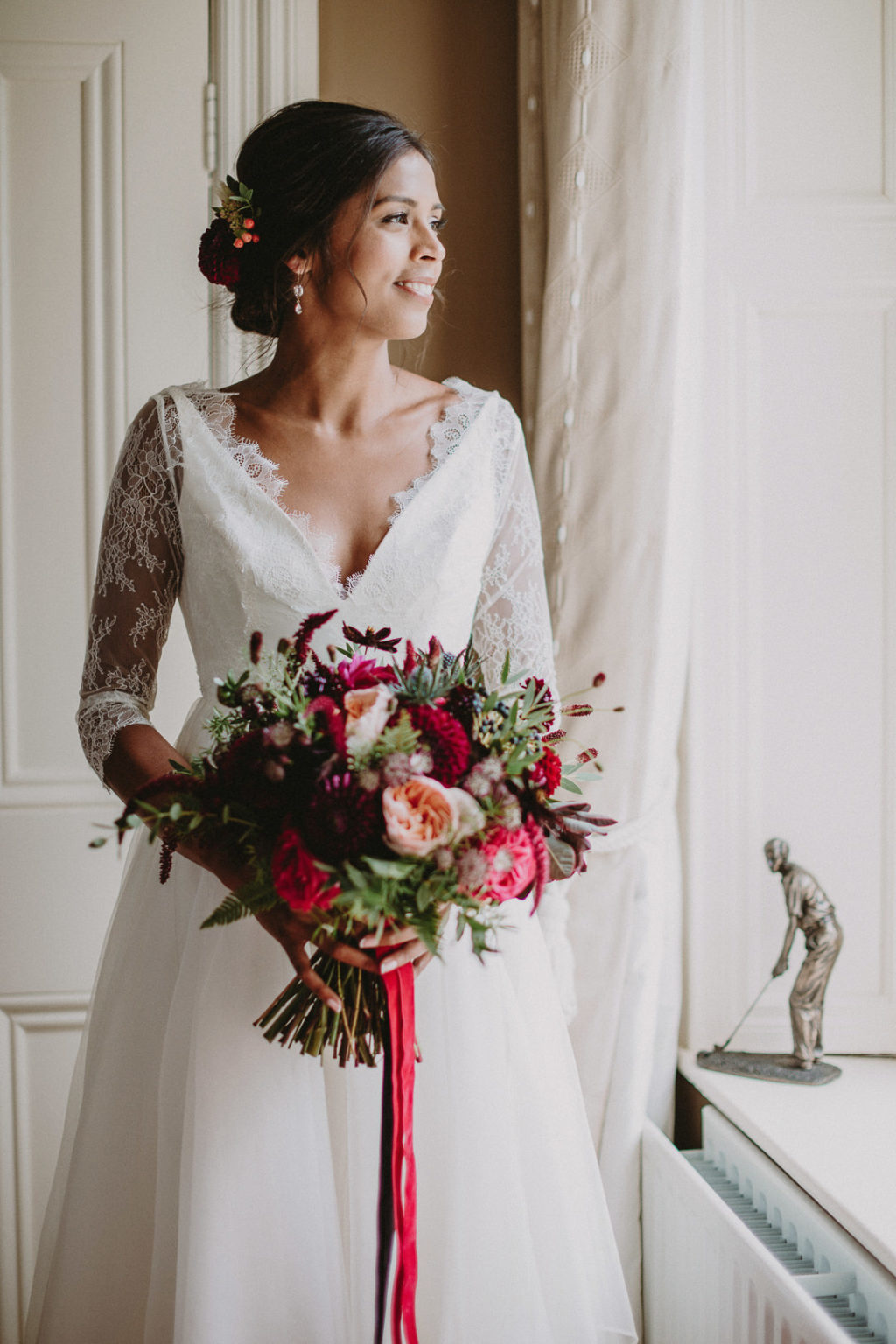 Colourful-wedding-at-Tankardstown-House-jewel-tones-Rafal-Borek-14.jpg