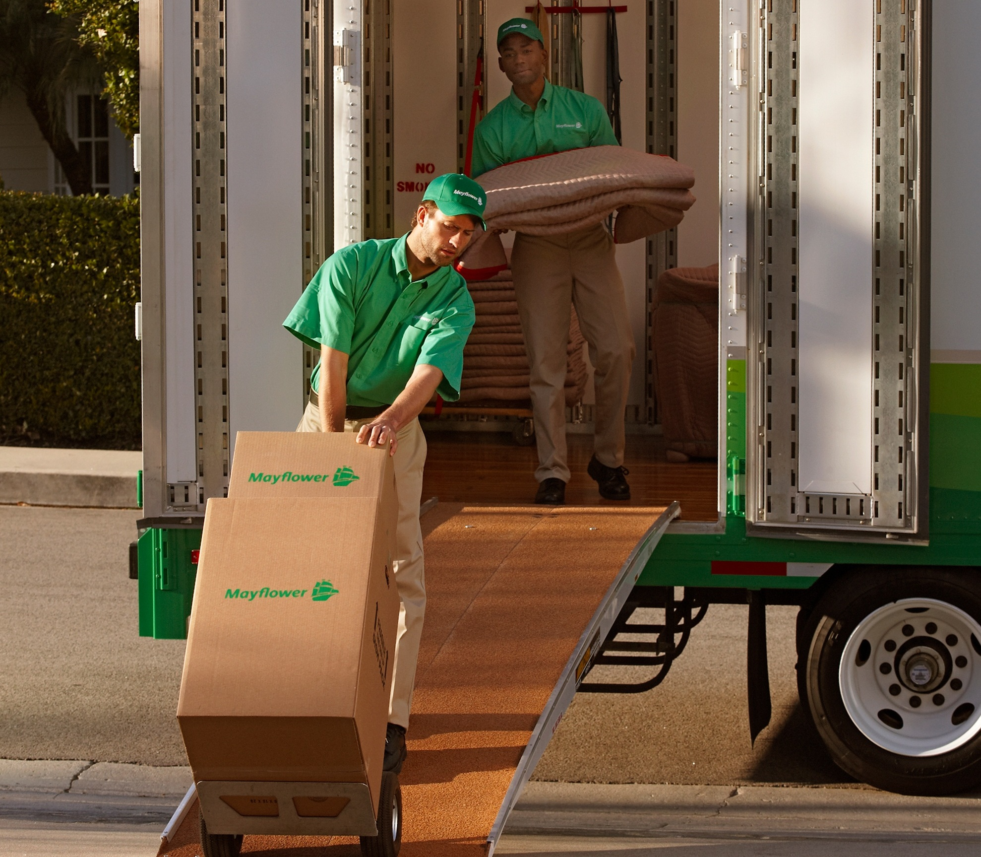 THE COMMERCIAL MOVING EXPERTS OF BRYAN/COLLEGE STATION, TX - AGGIE OWNED AND OPERATED