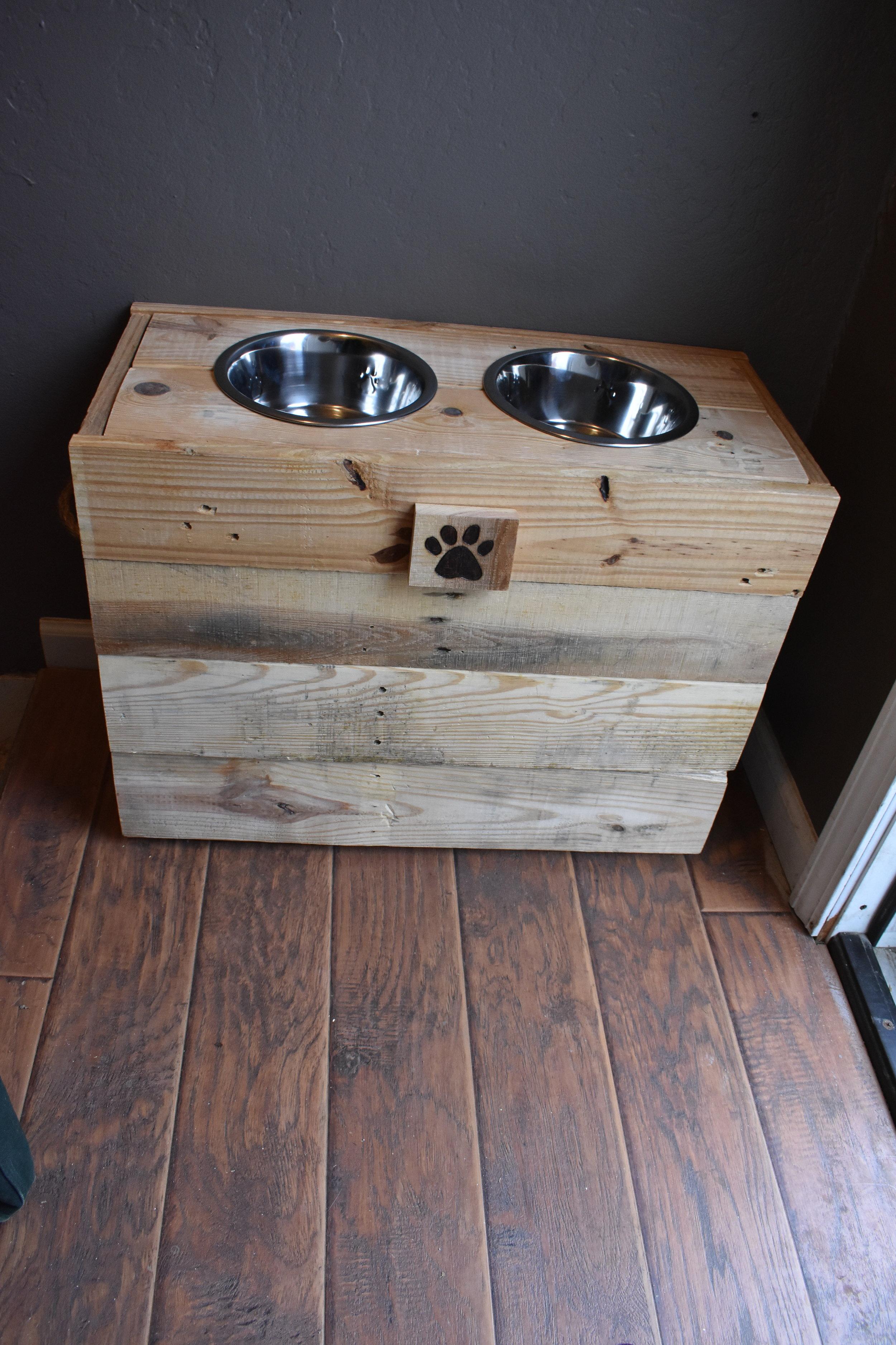 Lg Dog Box.JPG