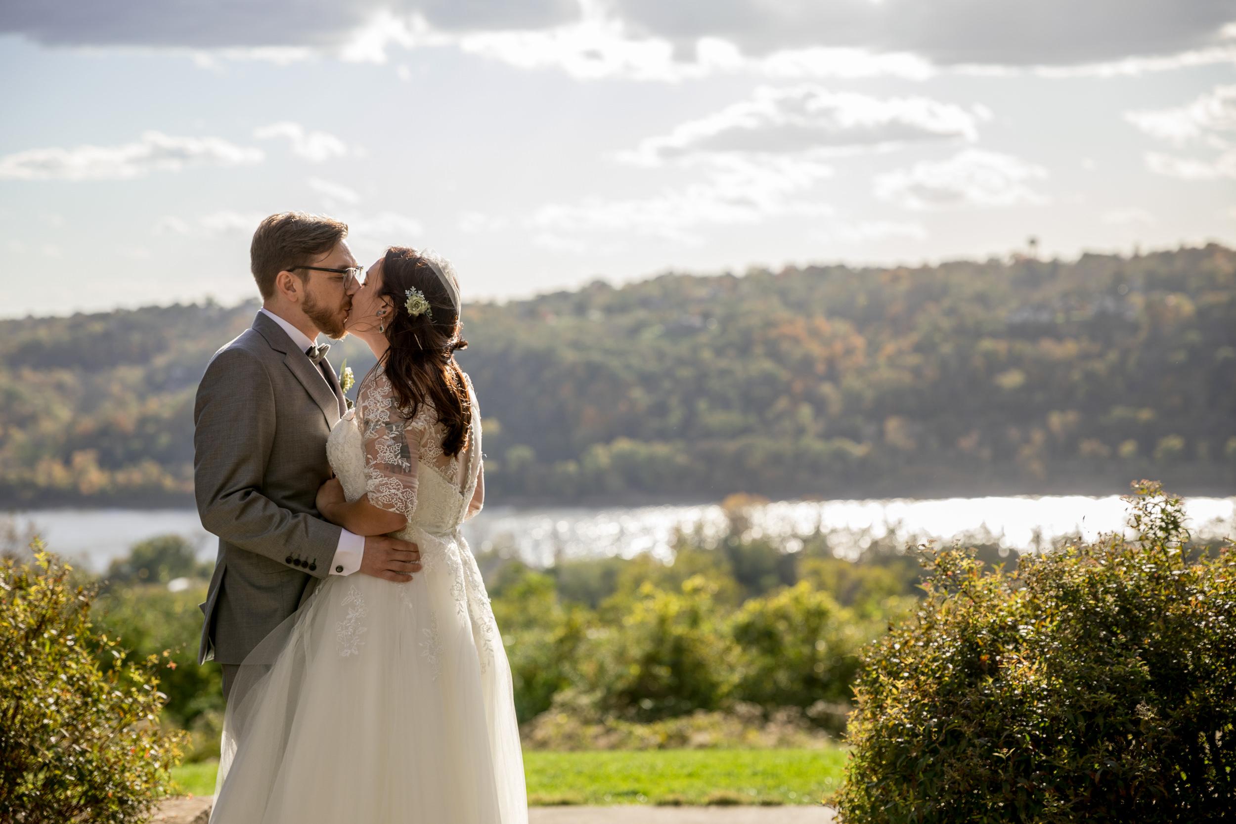 TheSmythCollective-Best-Cincinnati-Wedding-Photographer-017.jpg