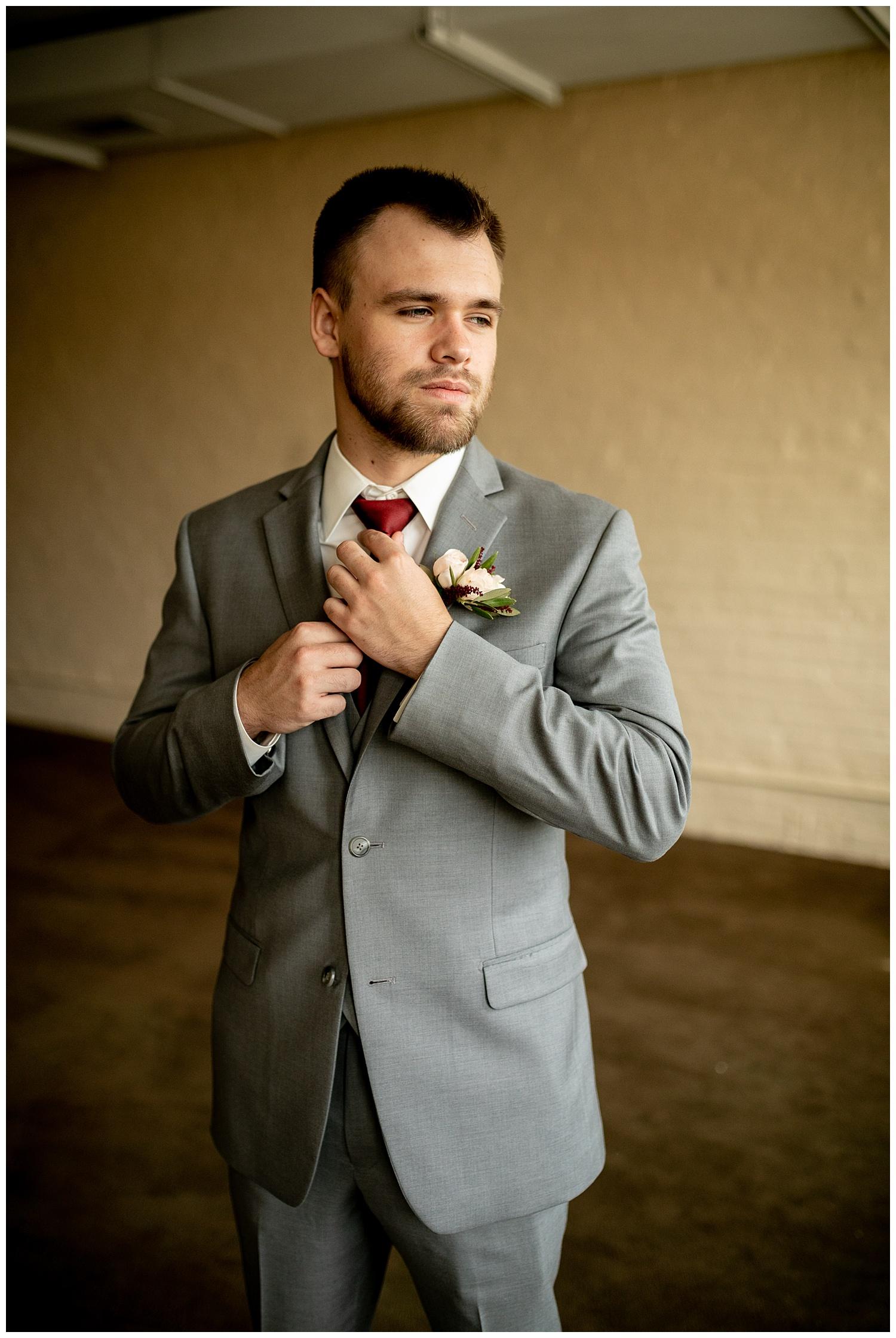 TheSmythCollective-Best-Cincinnati-Wedding-Photographer-Urban-Downtown-Covington-Wedding-05.jpg