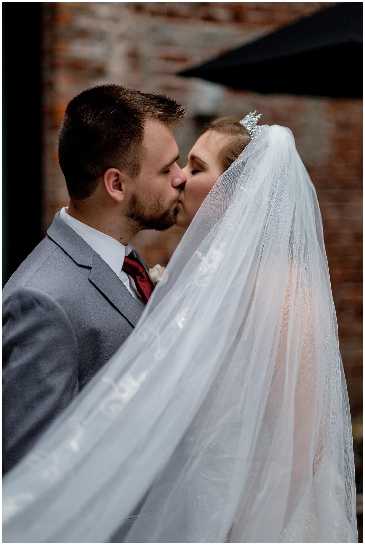 TheSmythCollective-Best-Cincinnati-Wedding-Photographer-Urban-Downtown-Covington-Wedding-24.jpg
