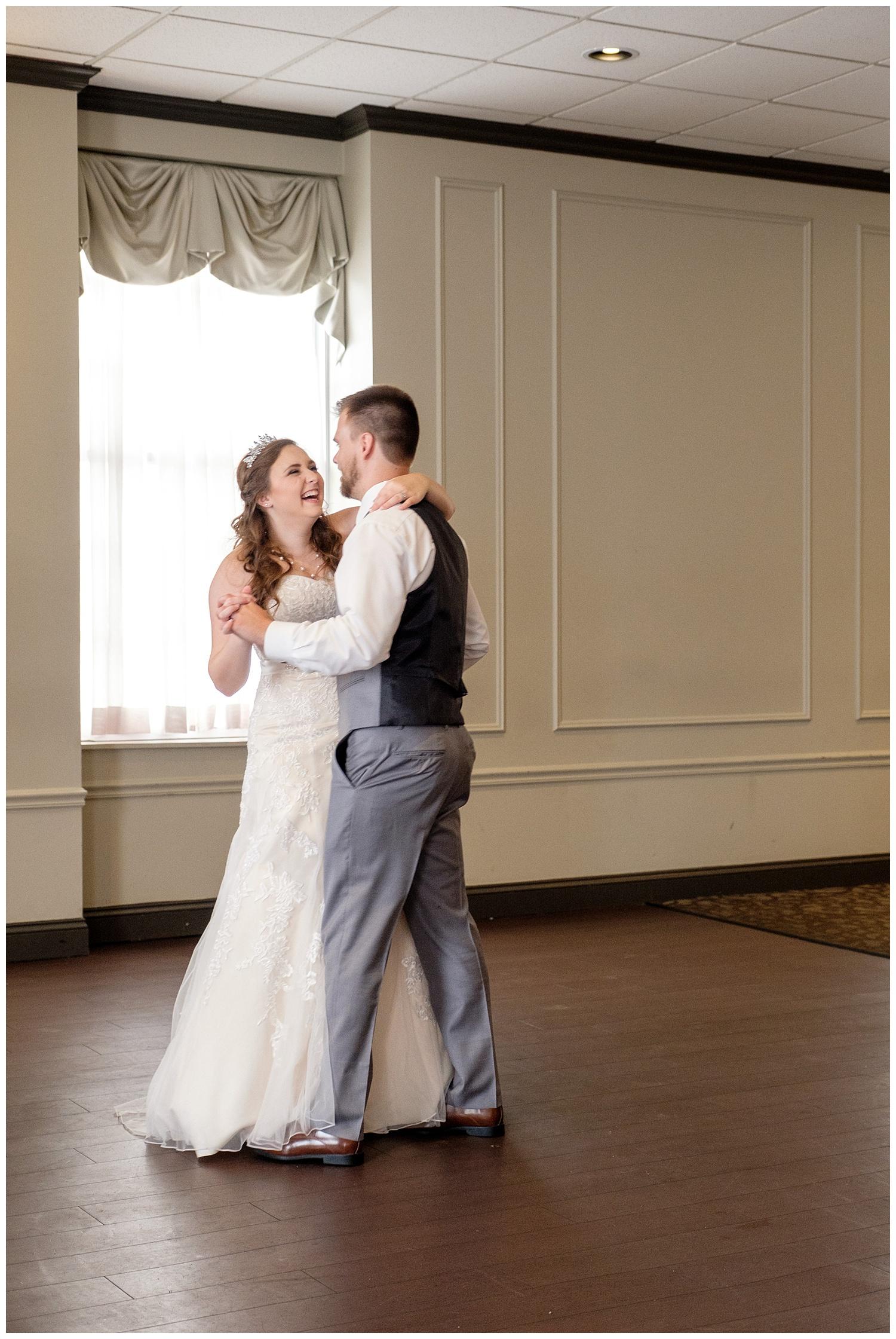 TheSmythCollective-Best-Cincinnati-Wedding-Photographer-Urban-Downtown-Covington-Wedding-28.jpg
