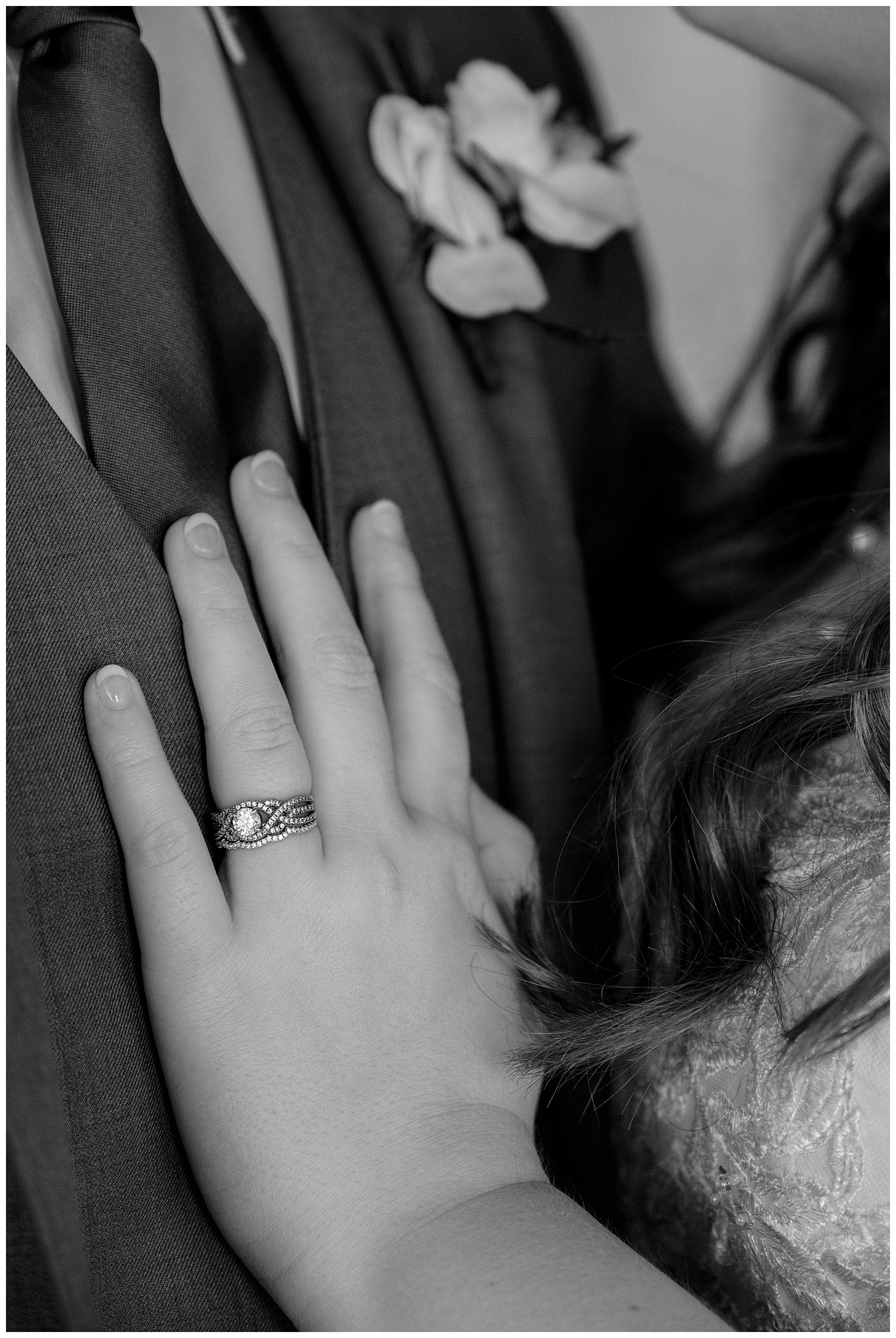 TheSmythCollective-Best-Cincinnati-Wedding-Photographer-Urban-Downtown-Covington-Wedding-30.jpg