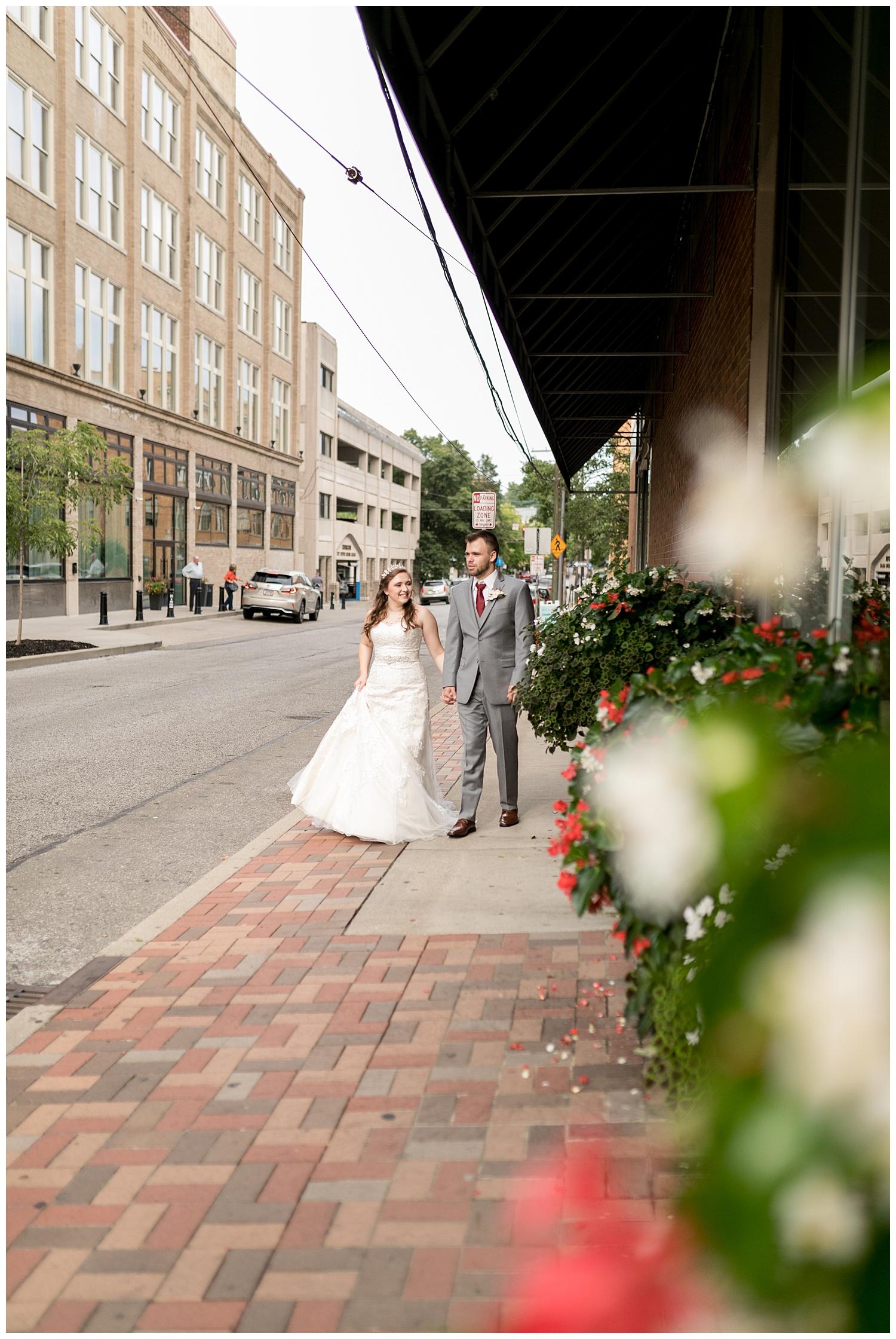 TheSmythCollective-Best-Cincinnati-Wedding-Photographer-Urban-Downtown-Covington-Wedding-31.jpg