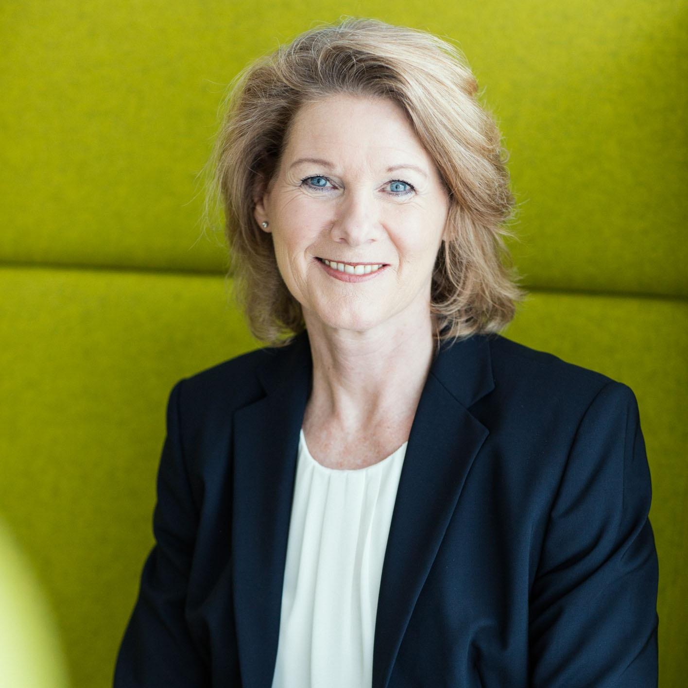 Britta-Balogh_-_Coaching-fuer-Unternehmen_-_Vortraege-fuer-Unternehmen_-_Foto-DAVID-SONNTAG-2019.jpg
