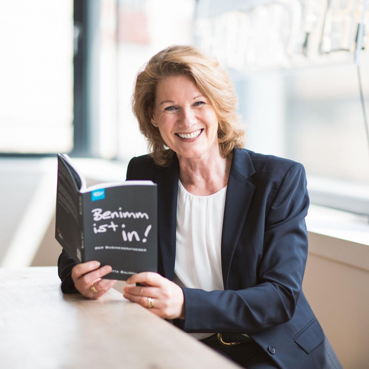 Britta-Balogh_-_Seminare_-_Benimm-ist-in–Business-Etikette_-_Foto-DAVID-SONNTAG-2019.jpg