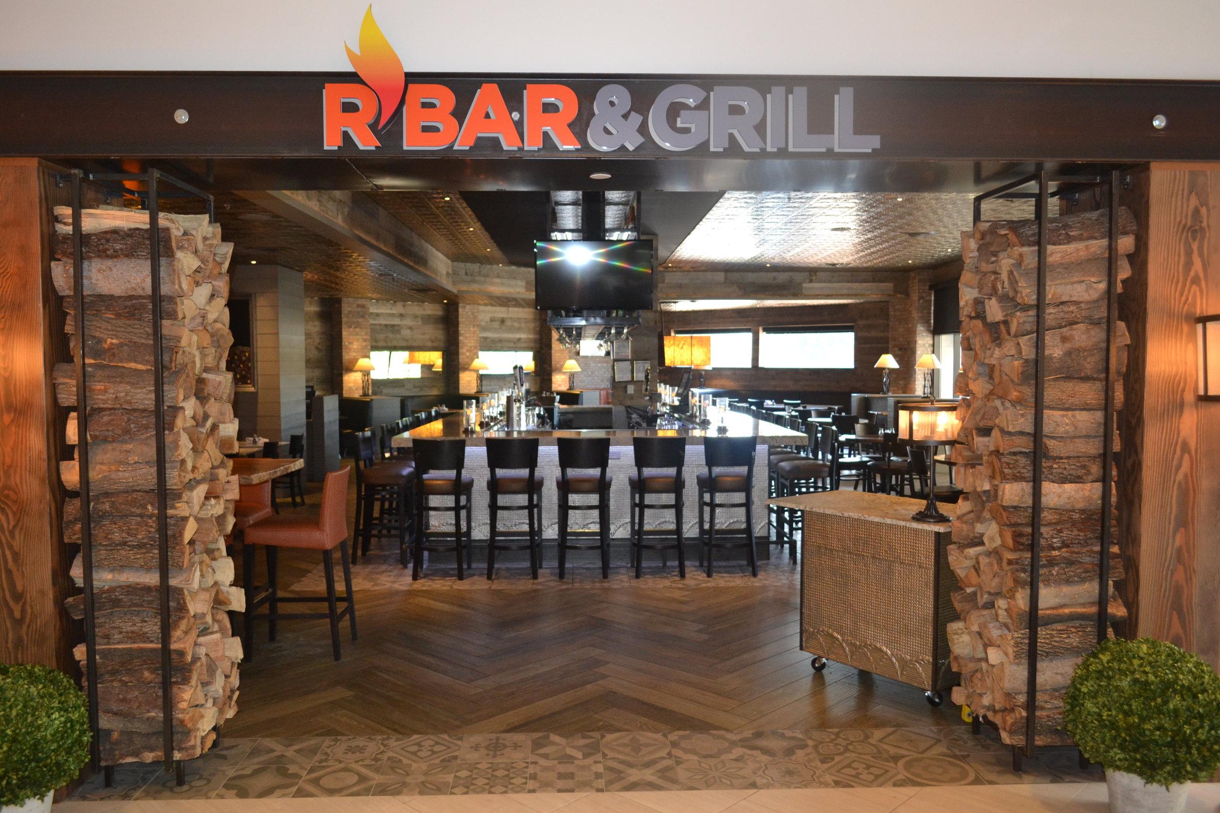 R Bar Hotel entrance.JPG