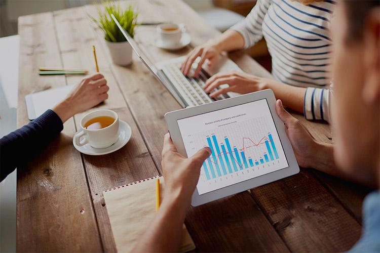 tablet-desk-market-stats.jpg