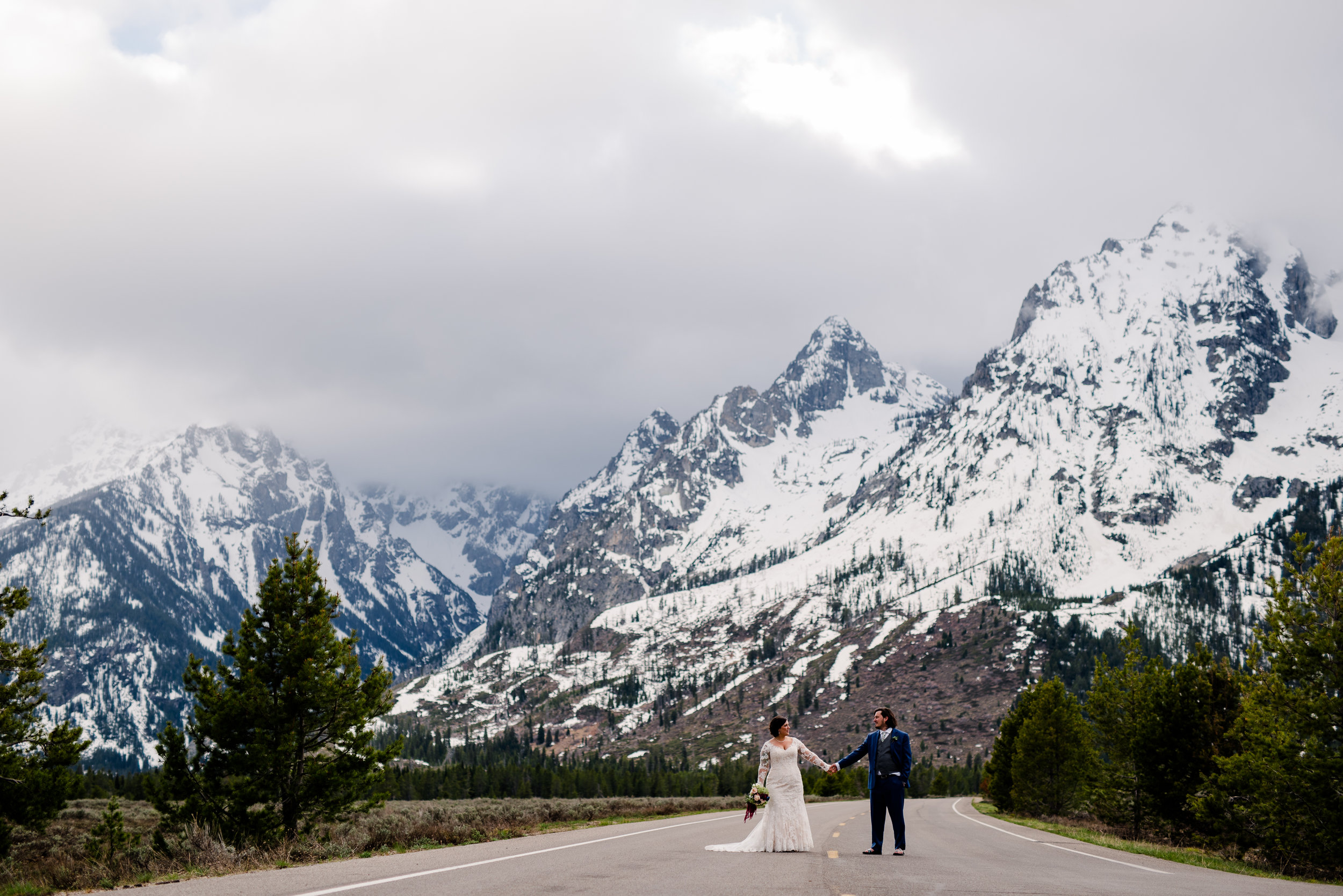 Lyndsay & Sean Wedding_Wyoming Wedding Photographer [Virginia Ruth Photography]-471.jpg