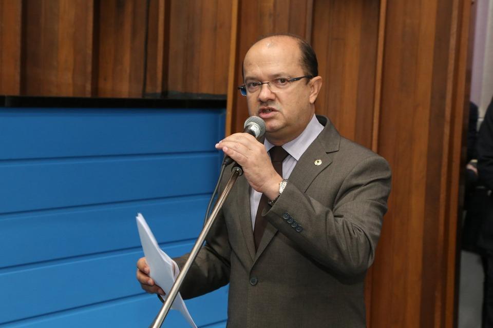 Barbosinha faz indicação e pede melhorias nas estradas que ligam Rio Brilhante a área rural.jpg