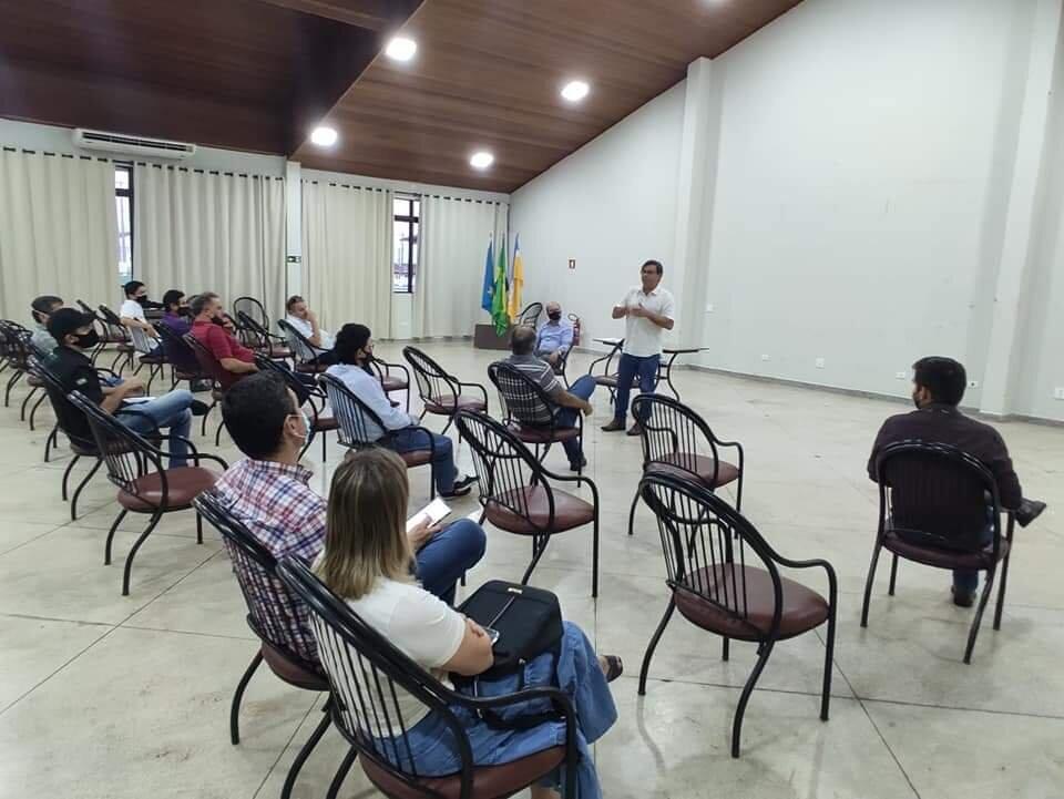 Barbosinha ouviu atento às preocupações dos produtores de Dourados, durante o encontro