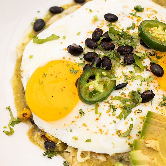 "#SaturdayBrunch? Um...YES! 👏 Have an ""egg""cellent #LaborDayWeekend! . . . #mexicangrill #happylaborday #laborday #brunch #brunchchicago #breakfast #eggfast #eatchicago #foodie #lincolnparkchicago #mexicanfood #chicagofood #yummy #happyhour #chicagofoodanddrink #drinkchicago #bistecbargrill #weekday"