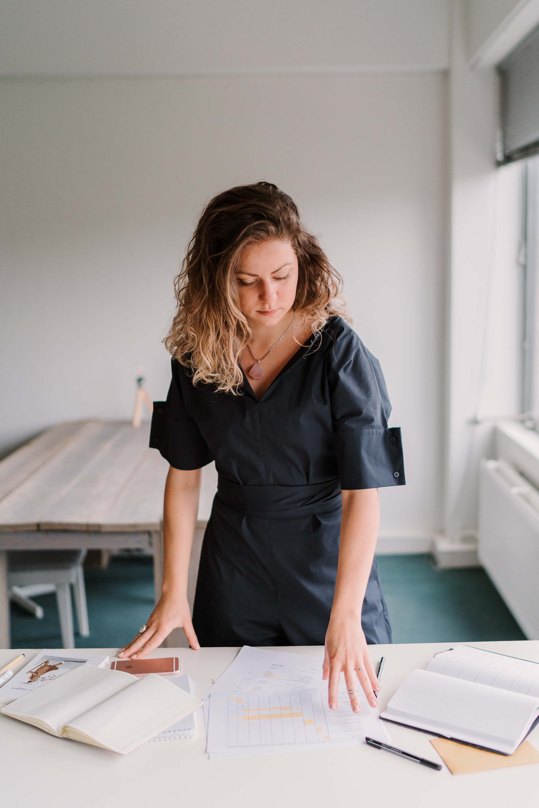 Agnes-Verschuren-eventcoaching-werken-op-kantoor-event-planning