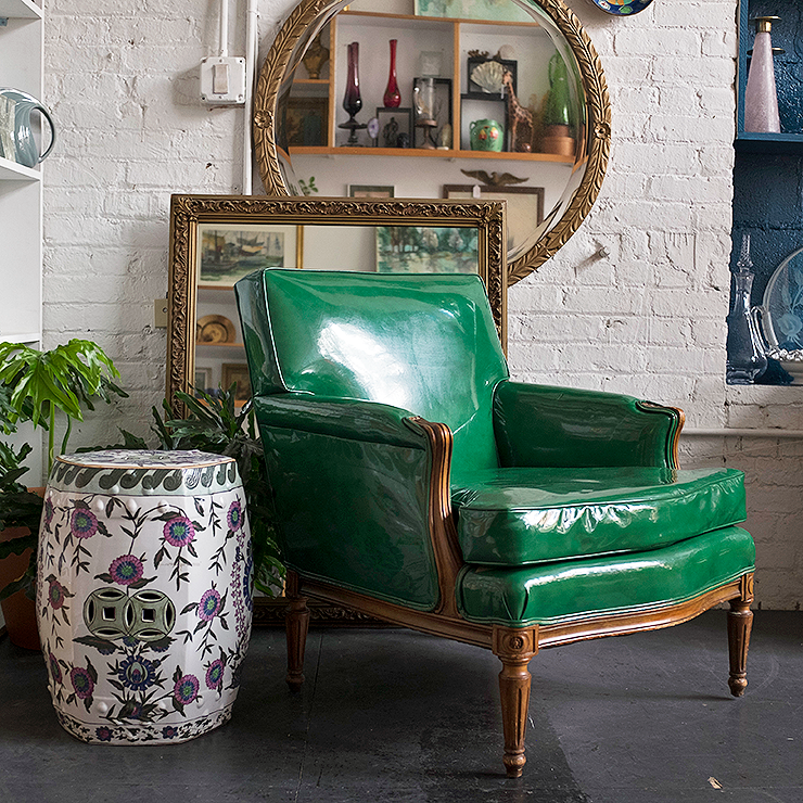 patent-leather-chair-eclectic-decor.png