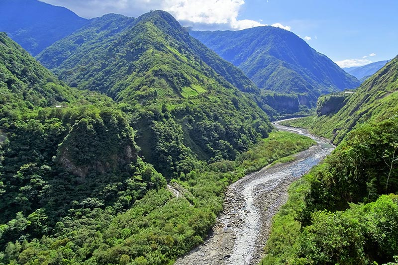 Baños Ecuador1.jpg