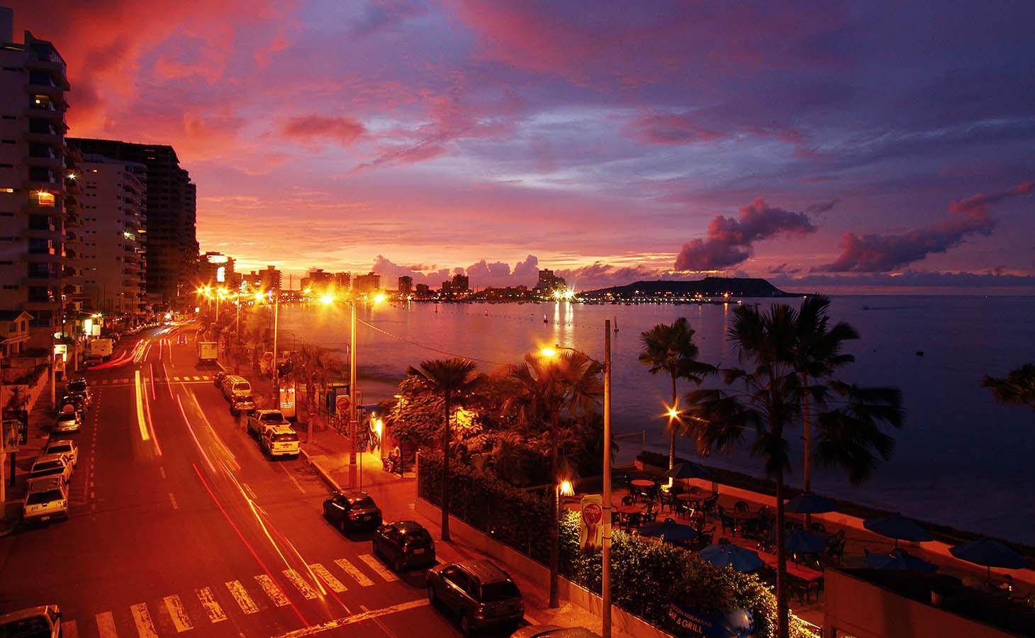 Salinas Beach Ecuador3.jpg
