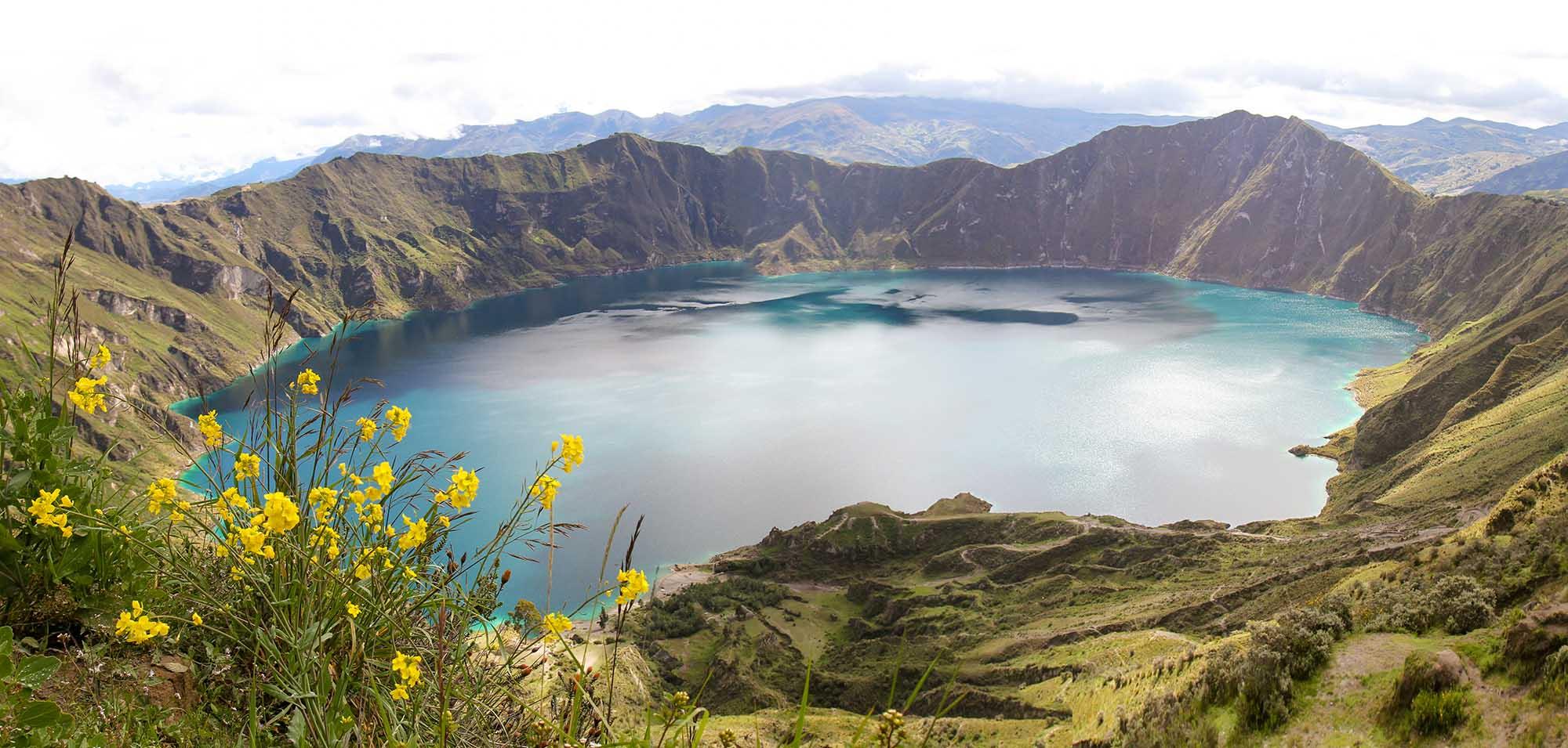Quilotoa Lagoon Ecuador.jpg