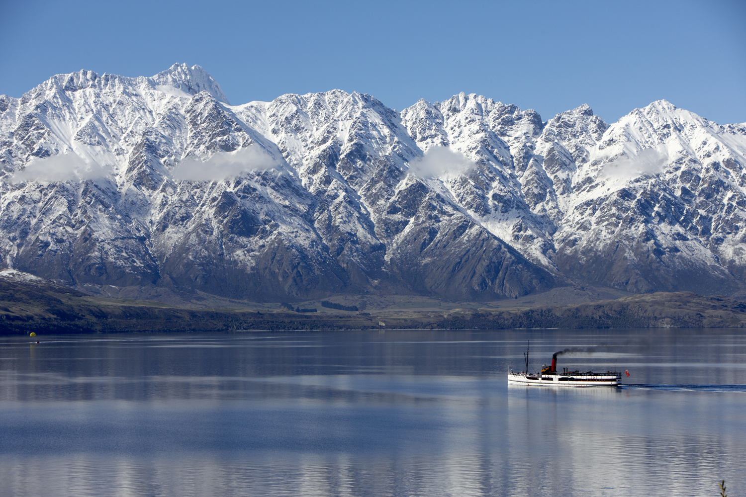 TSS Earnslaw on Lake Wakatipu in winter.png