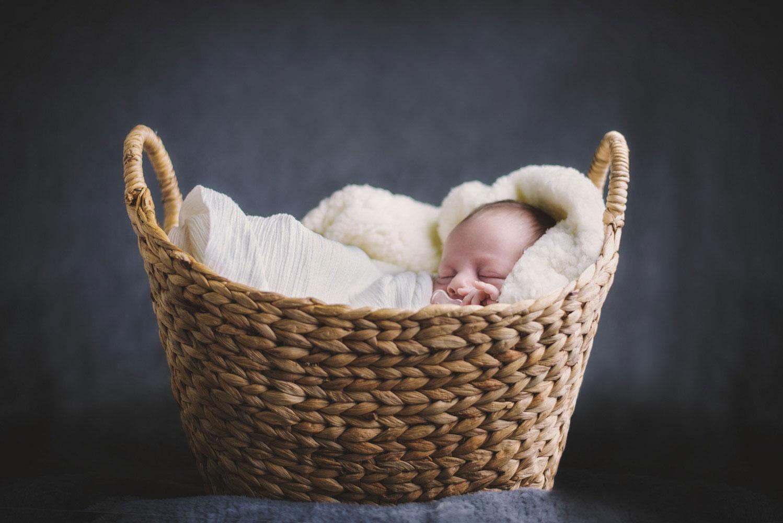 Jessica-Lemon-Photography-Adelaide-Newborn-Basket.jpg