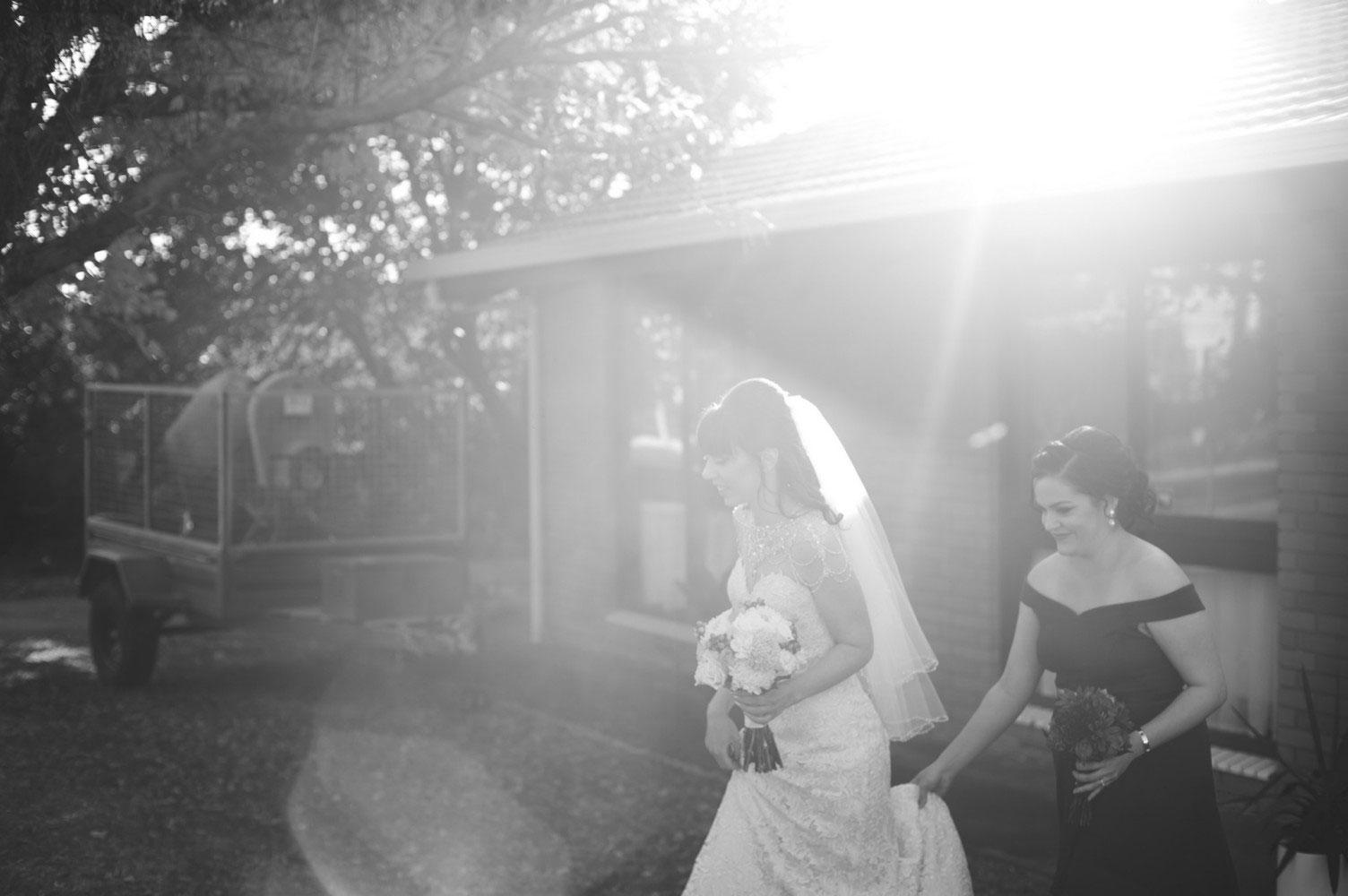 Jessica-Lemon-Photography-Adelaide-Wedding-Photographer-Bride-Leaving-House.jpg