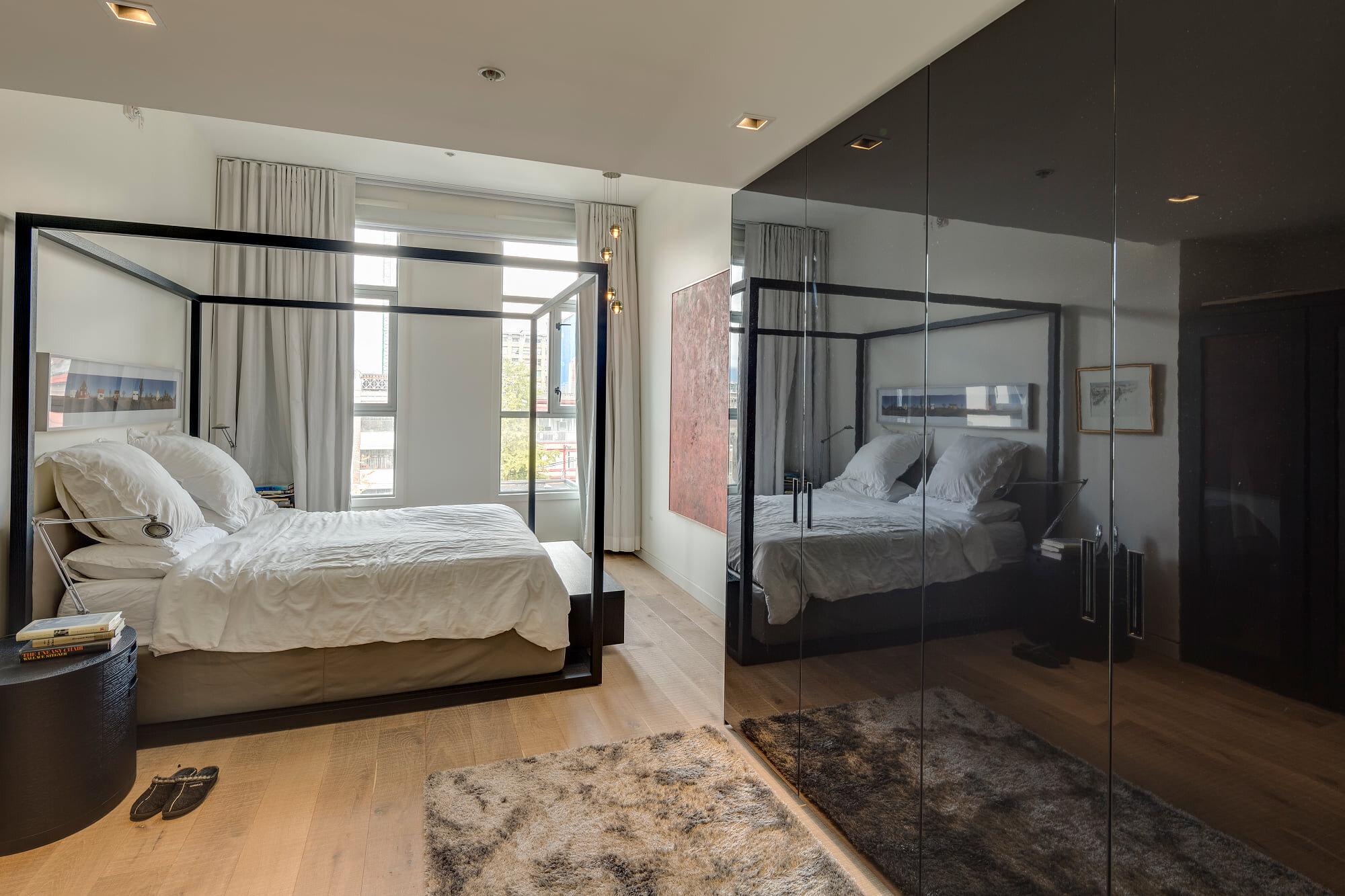 wsi-imageoptim-Sophisticated-Vancouver-bedroom-reno.jpg