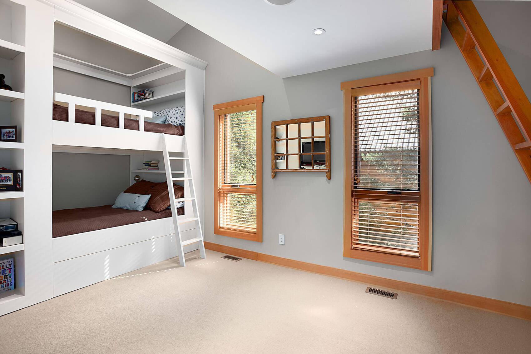wsi-imageoptim-Whistler-kids-bedroom-reno.jpg