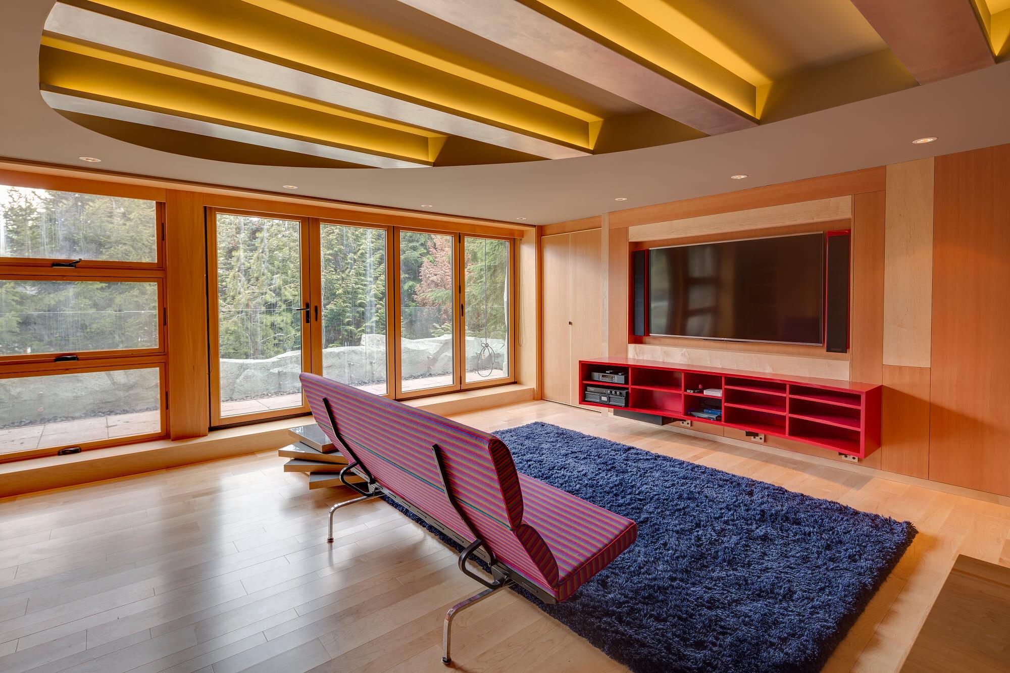 wsi-imageoptim-Home-TV-room-reno-Whistler.jpg
