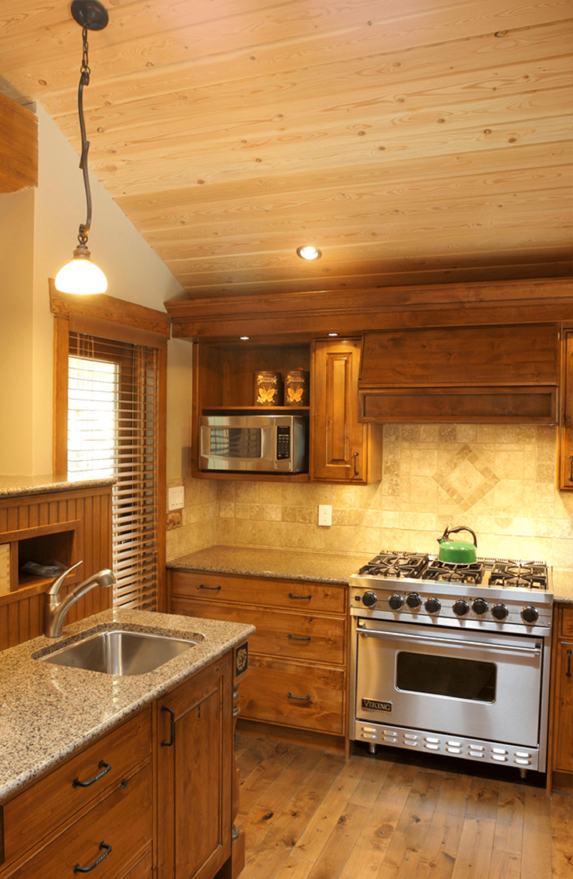 wsi-imageoptim-Modern-kitchen-cabin-Whistler.png