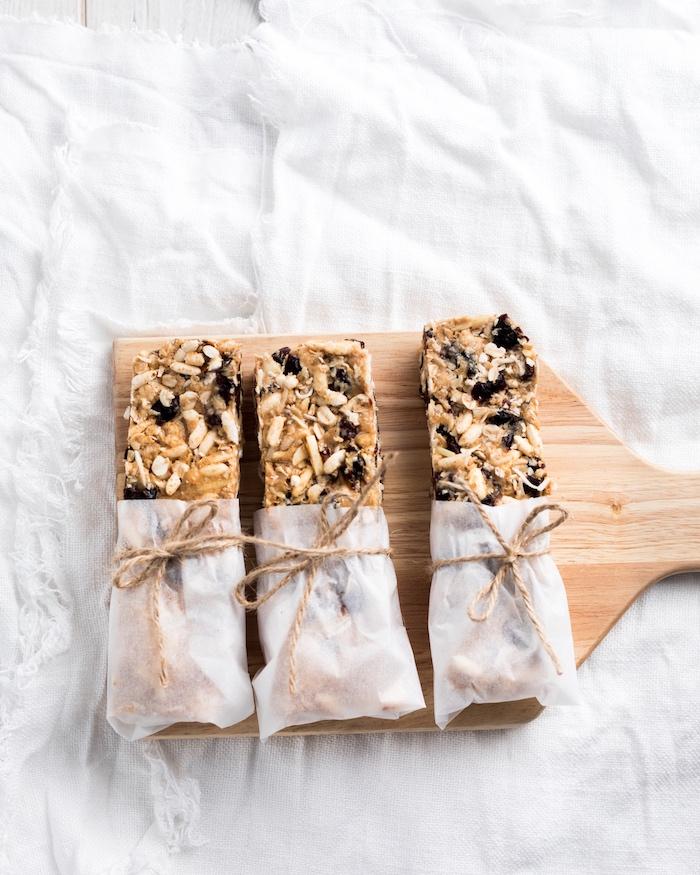 raw oat and nut bars.jpg