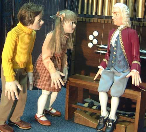 marionettes.jpg