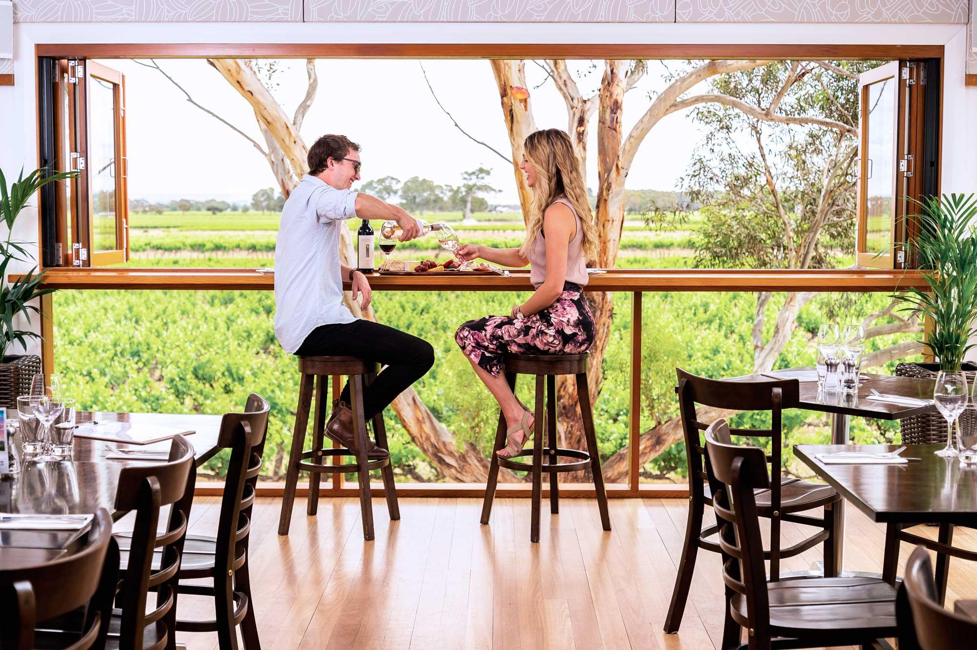Lake+Breeze+Wines+Restaraunt+Vineyard+Views.jpg