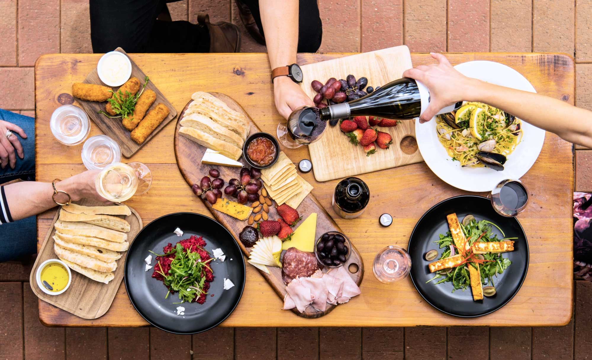 Lake-Breere-Wines-Flat-Lay-Restaurant-Shot.jpg