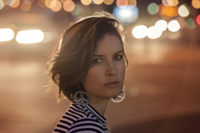 Missy-Higgins-Photographer-Cybele-Malinowski-Oct-2015-640x425.jpg
