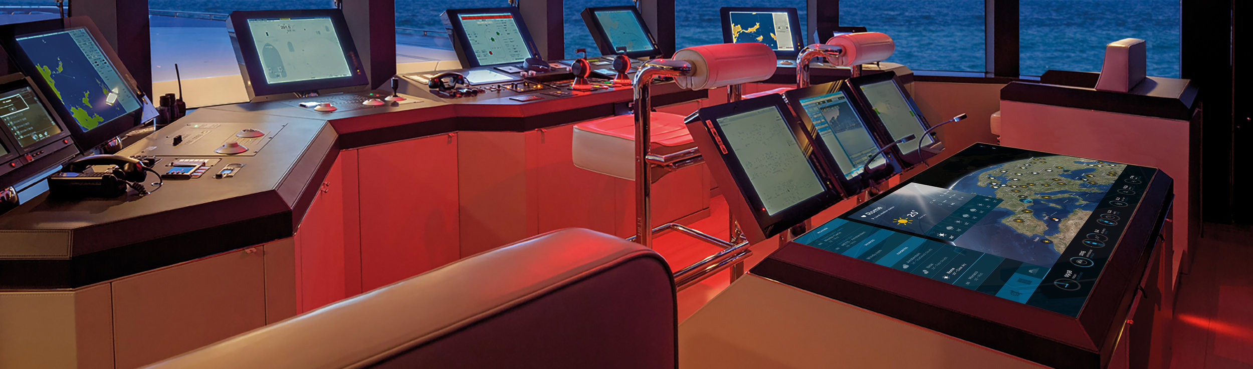 Touchscreen integration Bridge with realtime Yacht information