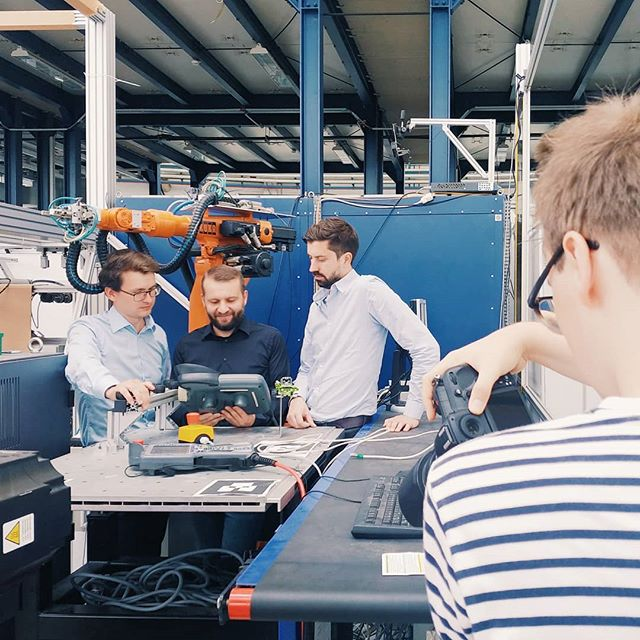 Today we got a visit from @robertrieger to photograph our founders in their natural habitat. The amazing people from Fraunhofer's IPK are great partners assisting us in multiple projects regarding robotics in manufacturing environment and giving us access to their huge workshop.  #fraunhoferipk #gestaltrobotics #robotics #technology #startup #berlin #tech #ai #objectdetection #depth #workplace #manufacturing #robot #robots #ui