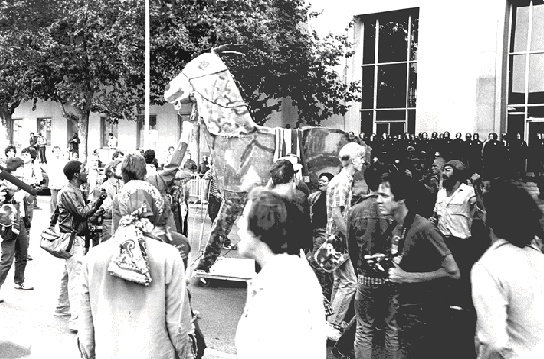 Protesters with the Trojan Donkey outside the SF Hall of Justice, July 18, 1984 (Photo: Keith Holmes)