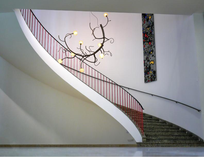 Budding newGROWTH in Stairwell